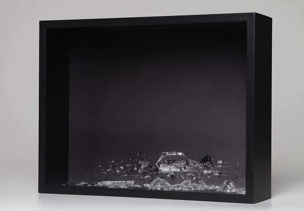 EVERYTHING I OWN SMELLS OF YOU II, 2016. Pigment print on baryt paper, broken perfume bottle, framed in box, 32x42 cm